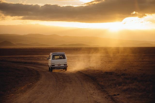 Czym najlepiej podróżować do pracy czy na wakacje własnym autem tak czy nie?